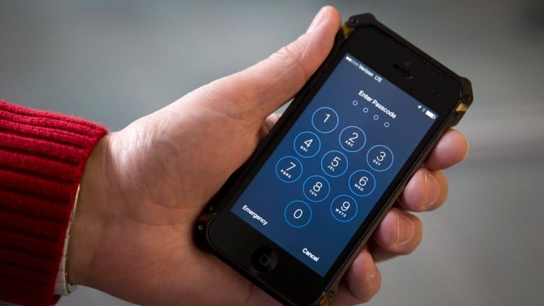FBI paid less than $1M to unlock iPhone of San Bernardino