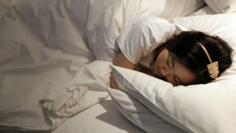 Poor quality, short sleep 'prevalent' among adults, StatsCan says
