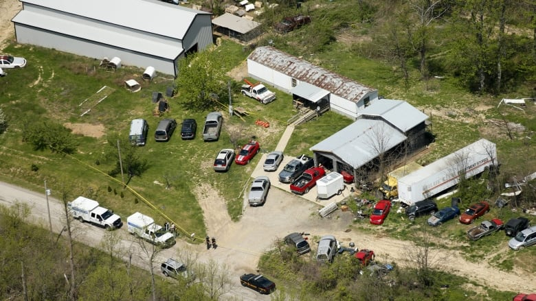 Ohio execution-style shootings: Authorities search for