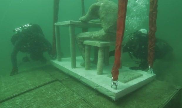 Brockville shipwreck underwater statue concrete April 2016