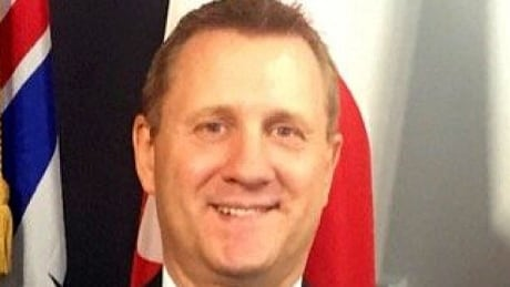Suspended Victoria police chief to face discreditable conduct hearing