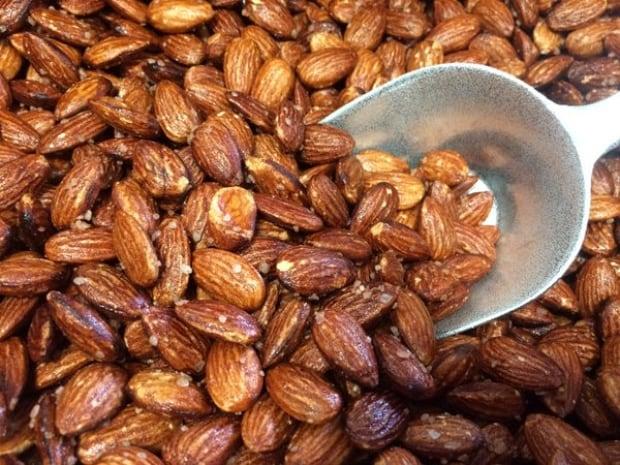 Shiraz Market lemon almonds