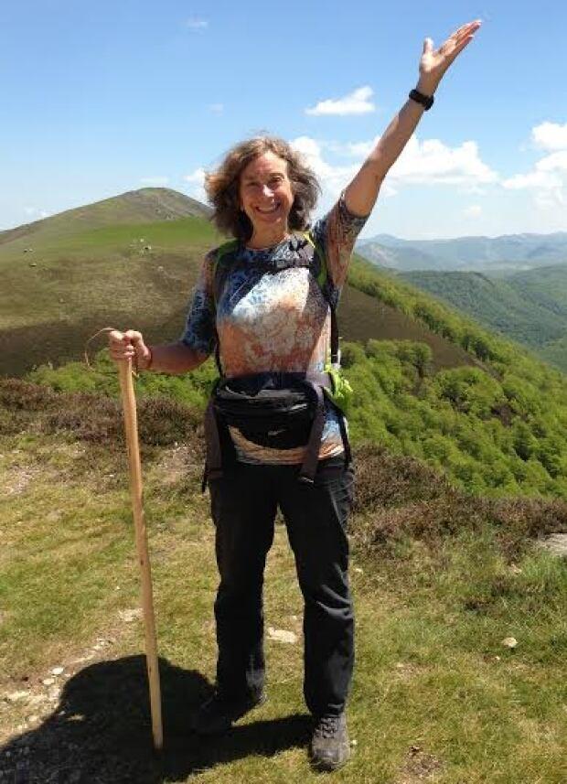 Elaine hiking El Camino