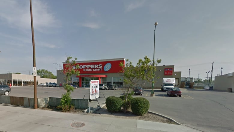 Armed thieves steal narcotics from Shoppers Drug Mart in Winnipeg