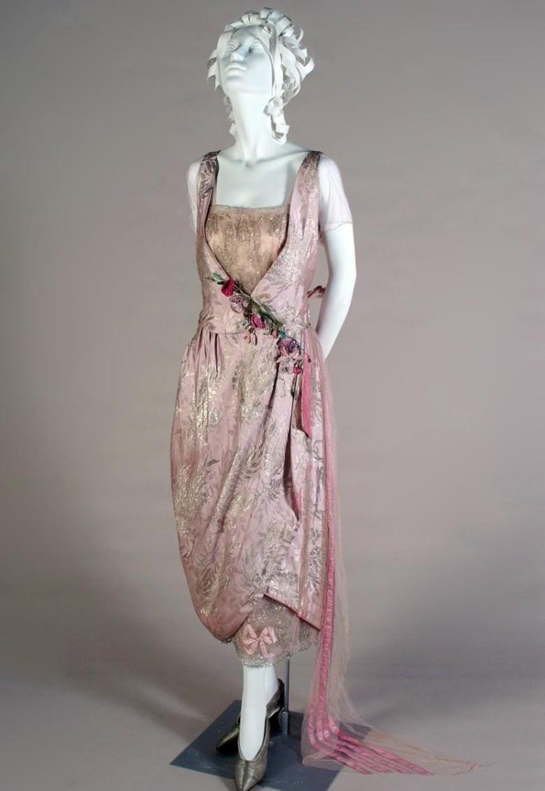 1900s Top Fashion Designer Lady Duff Gordon Gets Hometown Guelph Exhibit Cbc News