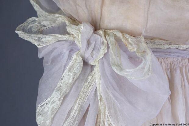 Lady Duff Gordon bow