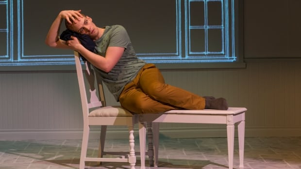 Buyer and Cellar, a one-man show being presented by Winnipeg Jewish Theatre, takes a strange and very funny look at the excess of celebrity and friendship.