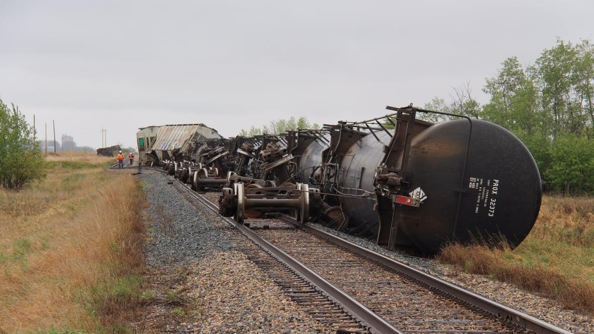 Cp Rail Train Derails East Of Saskatoon Saskatoon Cbc News