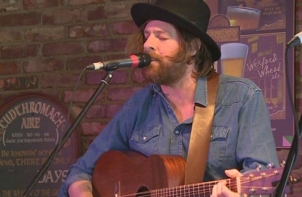 Matt Mays at O'Rielly's for Fort McMurray Alan Doyle fundraiser