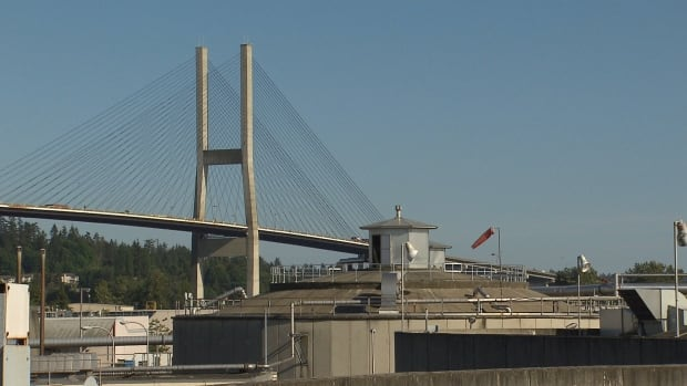 Commuters have complained of smelly odours coming from the wastewater treatment plant below the Alex Fraser Bridge, which connects Richmond and New Westminster to North Delta.
