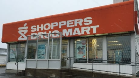 Shoppers computer crash fixed but questions remain about message to public