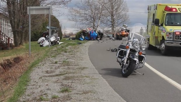 2 motorcyclists in critical condition after crash in bellechasse region cbc news. Black Bedroom Furniture Sets. Home Design Ideas