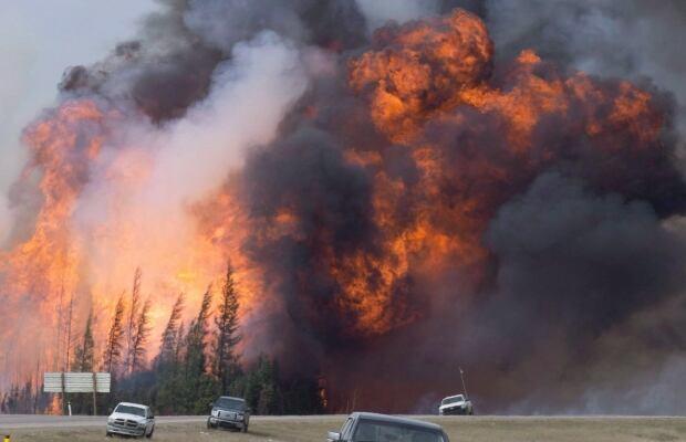 Alberta Wildfire Evacuation 20160516