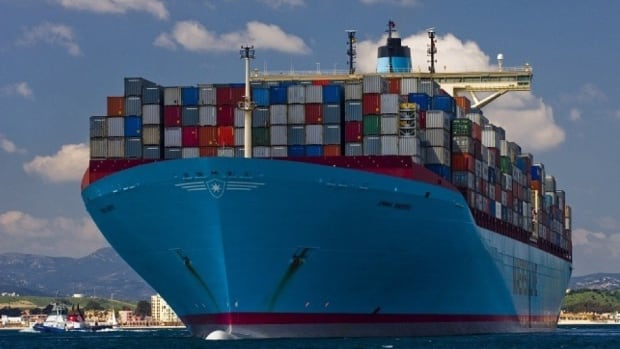 The ultra-large container vessels are looking for ports in eastern North America, say shipping industry experts.