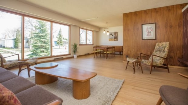 This Home In Winnipegs Grant Park Neighbourhood Still Holds The Original Owners 1960s Teak Furniture