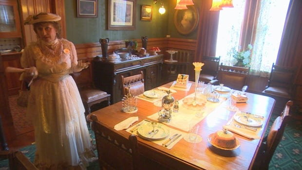 Dalnavert Museum is offering tours for Doors Open Winnipeg on Sunday with volunteers dressed in 1910s fashion to celebrate the 100th anniversary of the right to vote for some women in Manitoba.