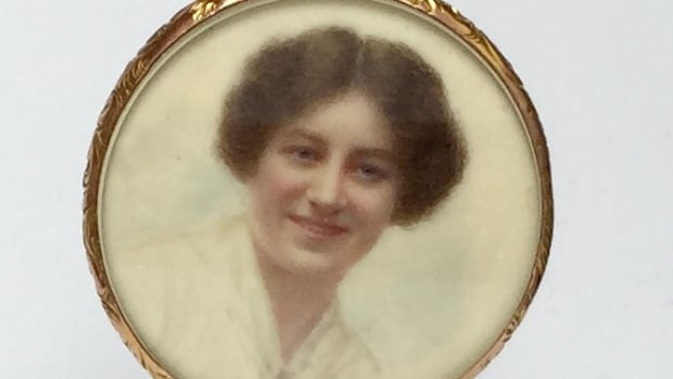 A locket containing the photo of a mystery woman was discovered by the Reid family who want to know her connection to Sgt. Charles Reid.
