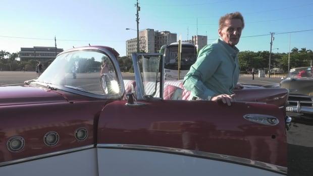 Mick Phillips in Cuba