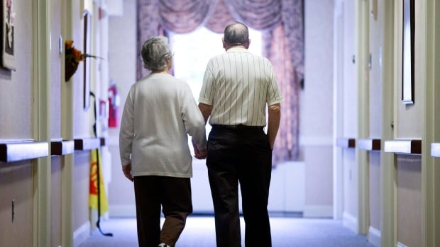 Providers caring for patients near the end of life should focus on things that make people feel better and minimize anything that might cause or be related to symptoms that might lead to discomfort, researchers say.