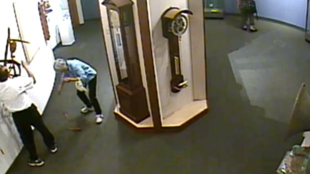 Man Ignores Museum No Touching Policy Breaks One Of A Kind Clock