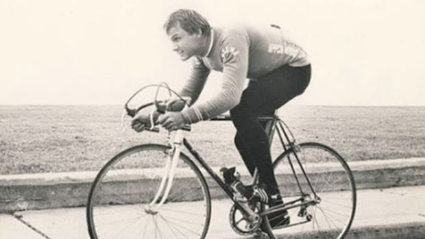 Jocelyn Lovell set national records that stood for decades and became a member of the inaugural induction to the Canadian Cycling Hall of Fame in 2015.