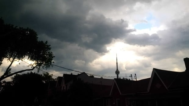 Thunderstorms, hail expected as Toronto placed under special weather statement