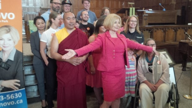 "Toronto MPP Cheri DiNovo declared herself an ""unofficial candidate"" for the leadership of the federal New Democrats, shunning the party's rules for entering the top contest, on Tuesday."