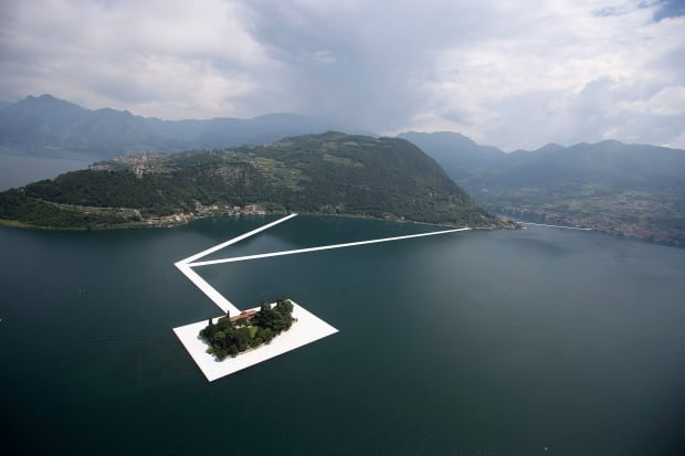 Christo S New Artwork The Floating Pier Like Walking On The Back Of A Whale Cbc News