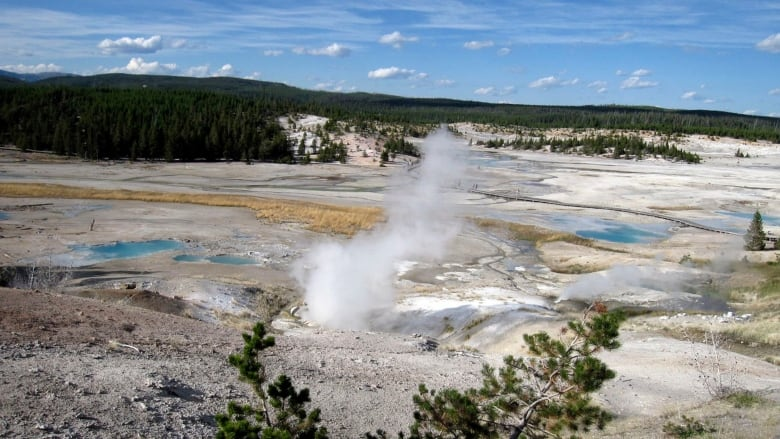 What Would Happen If The Yellowstone Supervolcano Exploded