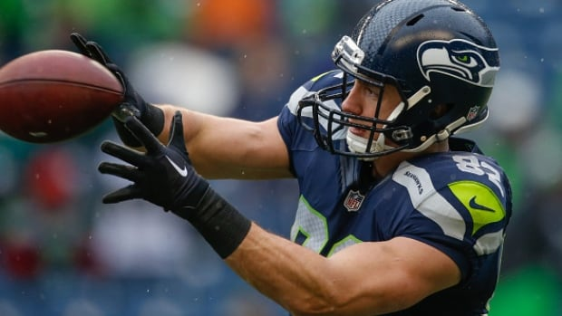 LaSalle's Luke Willson heading back to Seattle Seahawks