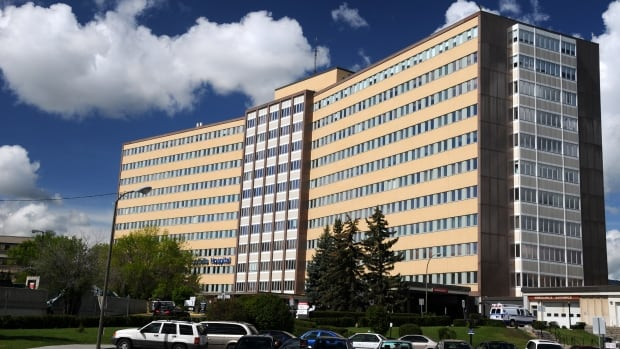 1 death, 18 confirmed cases of COVID-19 as outbreaks declared at Calgary's Foothills hospital
