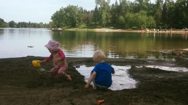 Calgary 39 S Top Outdoor Pools Spray Parks And Swimming Holes Calgary Cbc News