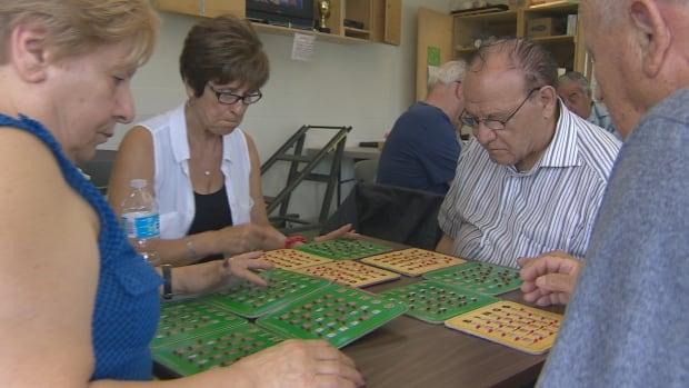Mississauga seniors play bingo
