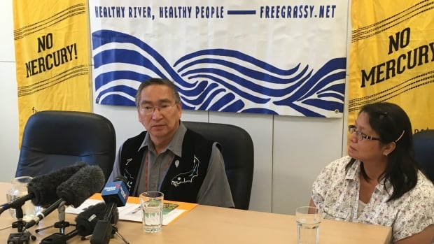 Grassy Narrows Chief Simon Fobister, left, and resident Judy Da Silva told a news conference in Winnipeg last June that the mercury contamination needs to be cleaned up immediately.