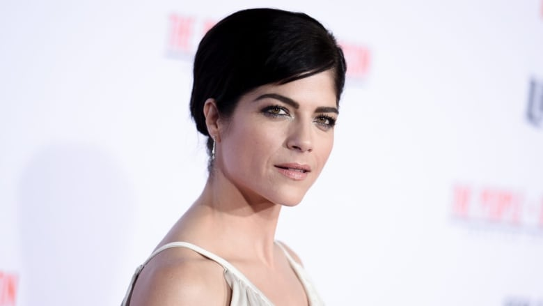 Support pours in after Selma Blair shares MS diagnosis   CBC