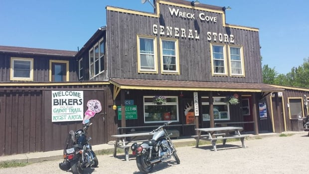 An American couple travelling in Cape Breton avoided the hassle of replacing a lost credit card when the owners of the Wreck Cove General Store and Gas Bar came to the rescue.