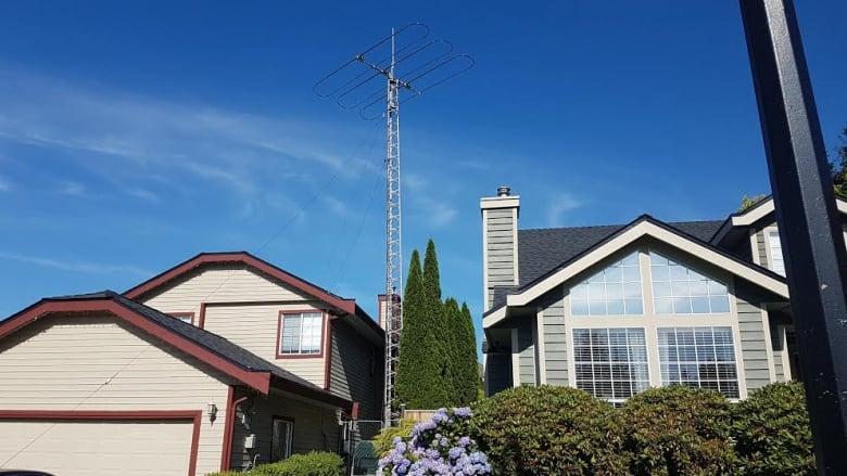 Ham radio tower frustrates Maple Ridge neighbours | CBC News