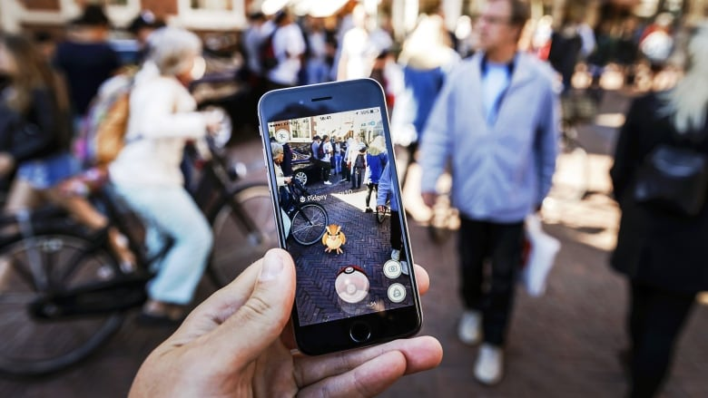 Pokemon Go officially launches in Canada, crashes app's servers