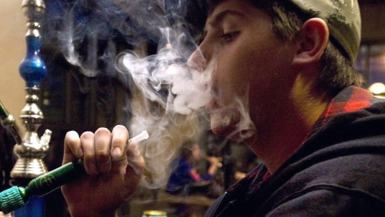 Calgary shisha bar owner worries about possible waterpipe