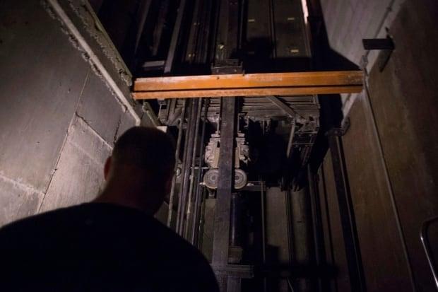 Elevator Crisis 20160721
