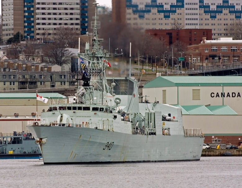 Frigate replacement program kicks off with design competition   CBC News