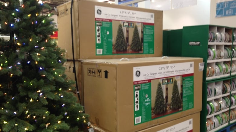 Costco Christmas Eve Hours.Costco Selling Christmas Trees In July Has People Asking
