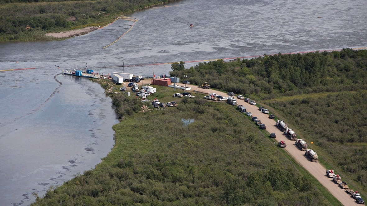 Husky oil spill continues to affect cities' drinking water
