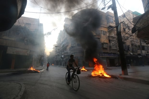 MIDEAST-CRISIS/SYRIA — Burning Tires — August 1, 2016