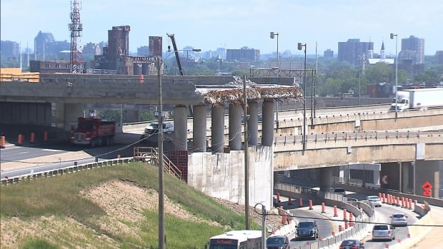 Concrete from the Turcot Interchange will be used in the new one, which should be completed by 2020.