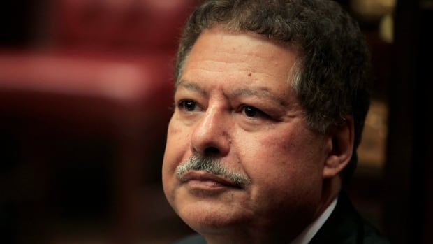U.S.-Egyptian Nobel Prize-winning scientist Ahmed Zewail has died at the age of 70.