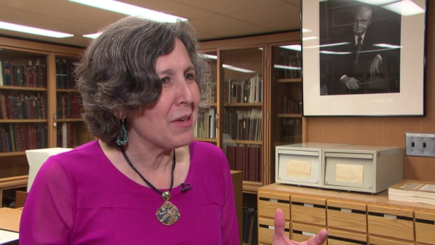 Leah Cohen, Librarian and Curator