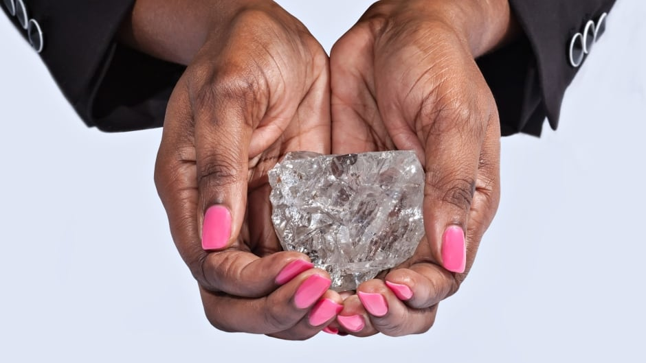 Intrigue and greed: the failed auction of a 1,109 carat diamond | CBC Radio