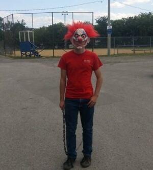 Gatineau clown in Parc Limbour