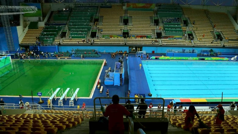 How to make an Olympic swimming pool go green | CBC News